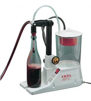 Enolmatic Vakuum-Füller m. Polycarbonat-Behälter Der Enolmatic ist der ideale Vakuum-Abfüller für Glasflaschen